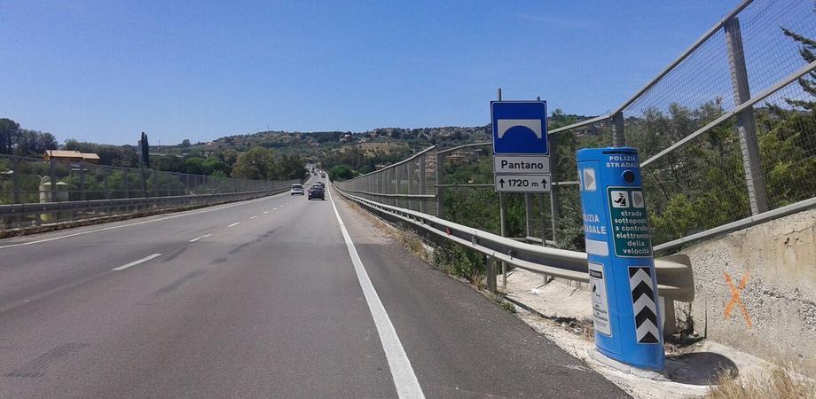 Caltanissetta, l'Anas attiva autovelox sulle statali 640 e 626. Previsti limiti di velocità di 80 e 90 km orari