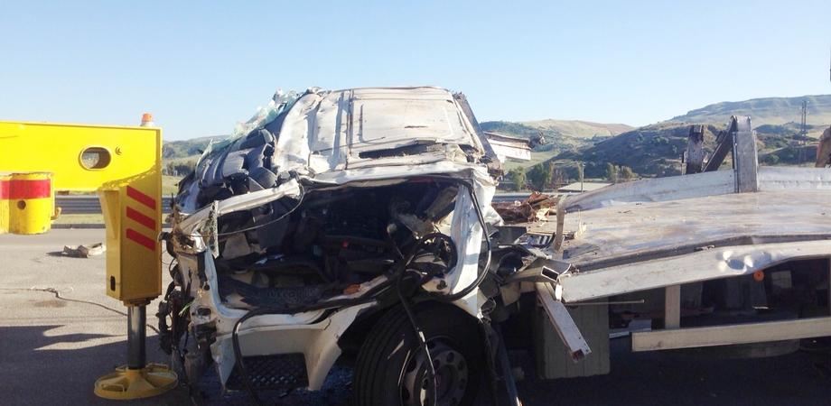 Padre e figlio morti dopo il volo dal viadotto A19. La Polstrada di Caltanissetta indaga sulle cause dell'incidente