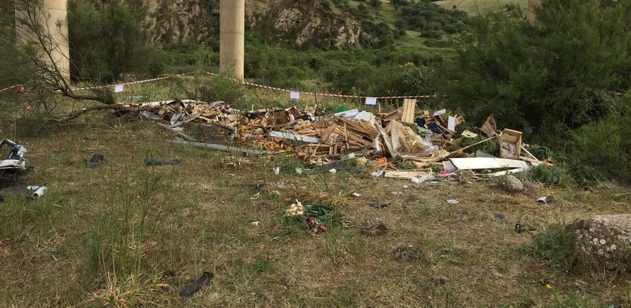 Guardrail a prova d'urto sul viadotto Irosa? La Procura di Caltanissetta sequestra la barriera d'acciaio dopo l'incidente
