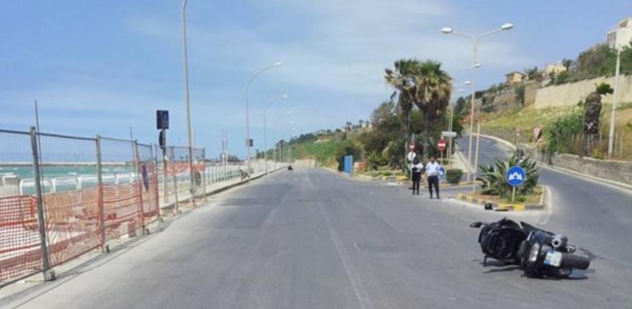 Avvocata investita da una moto sul lungomare di Gela: ricoverata in gravi condizioni a Palermo