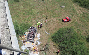 https://www.seguonews.it/lo-schianto-sul-viadotto-irosa-della-a19-morti-i-due-passeggeri-del-camion-dopo-volo-di-20-metri