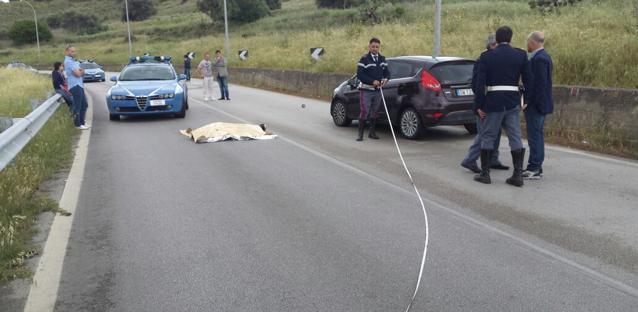 Lunedì nero sulle strade del Nisseno. Giovane di 17 anni muore nel giorno del compleanno. Scontro con camion: 4 feriti
