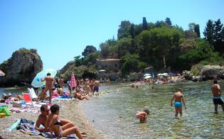 http://www.seguonews.it/ferragosto-da-incubo-nisseni-derubati-sulle-spiagge-siciliane-altri-quattro-furti-denunciati-alla-polizia
