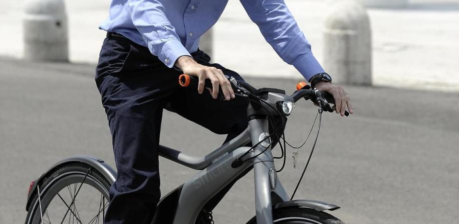 """Mobilità sostenibile e Codice della Strada, scoppia caso a Gela. """"Non sono bici elettriche ma motorini"""": due persone denunciate"""