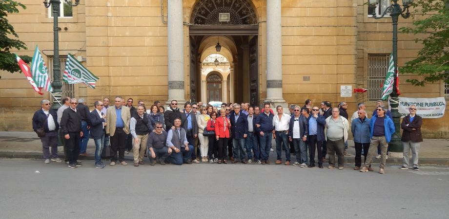 Ex Provincia di Caltanissetta, centinaia di posti di lavoro a rischio. Domani migliaia di dipendenti in corteo all'Ars