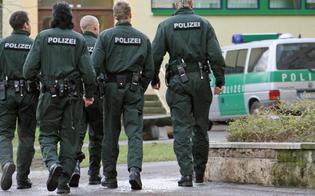 http://www.seguonews.it/banda-di-emigrati-nisseni-in-germania-10-arresti-laccusa-frode-al-fisco-tedesco-per-17-milioni-di-euro
