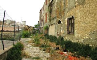 http://www.seguonews.it/la-provvidenza-sprofonda-nel-degrado-accuse-alla-giunta-dal-comitato-di-quartiere-una-discarica-pubblica-danno-per-i-residenti