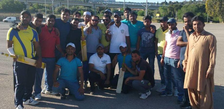 Caltanissetta, quando il cricket unisce. Afgani e pakistani dedicano torneo a immigrato morto