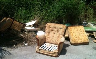 http://www.seguonews.it/da-caltanissetta-cartoline-del-degrado-il-salotto-buono-scaricato-vicino-ai-cassonetti