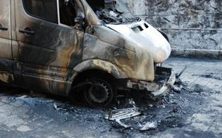 https://www.seguonews.it/ennesimo-attentato-notturno-a-niscemi-piromani-danno-alle-fiamme-il-furgone-di-un-operaio