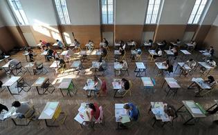 http://www.seguonews.it/maturita-ansia-da-espulsione-uno-studente-su-quattro-non-fara-copiare-il-compito-i-vecchi-trucchetti-per-sbirciare-piacciono