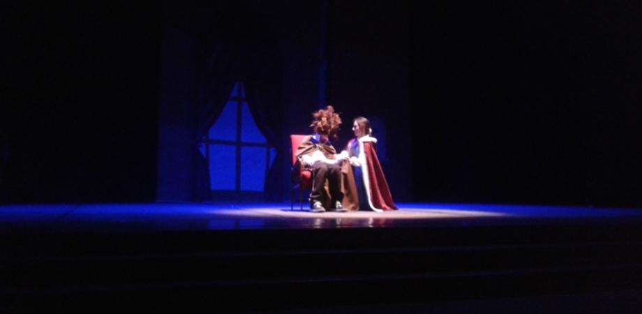 """""""Stia con noi"""" a vedere lo spettacolo de """"Bella e la Bestia"""": l'invito dei 190 studenti della Caponnetto"""