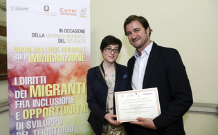 http://www.seguonews.it/se-lintegrazione-del-profugo-scaccia-le-ruspe-un-reportage-della-cronista-mazzarinese-santagati-premiato-dallunar