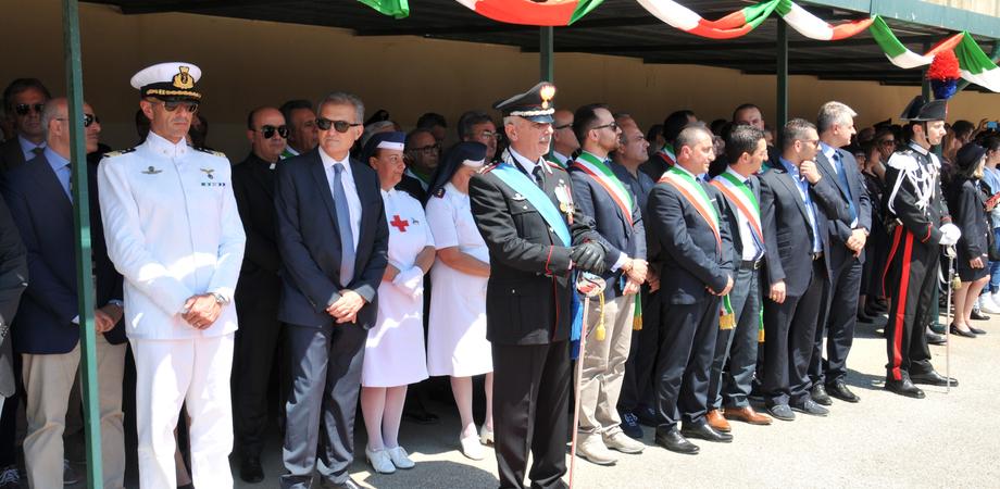 """In un anno 31mila richieste al """"112"""". Celebrati a Caltanissetta i 201 anni dei carabinieri, encomi ai militari"""