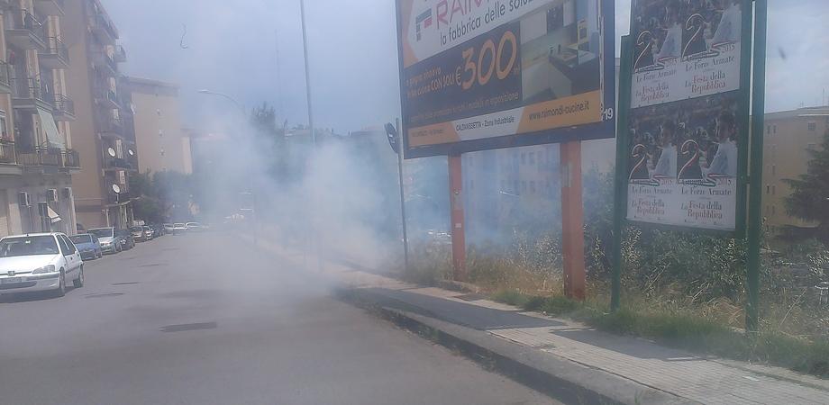 Incendio nella scarpata di via Leone XIII, l'area è del Comune. Ma ora il sindaco Ruvolo si automulterà?