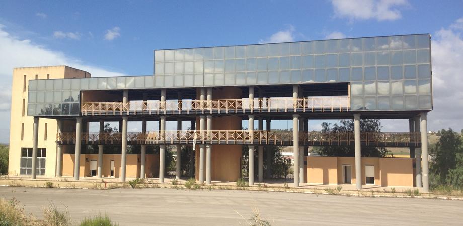 """L'Ato rifiuti di Caltanissetta trasloca a Santa Caterina. La proposta di Aiello (Fi): """"Uffici nell'ex Fiera Centro Sicula"""""""