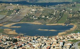 http://www.seguonews.it/goletta-dei-laghi-bandiera-nera-alla-sicilia-legambiente-boccia-la-gestione-del-lago-soprano-di-serradifalco