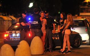 http://www.seguonews.it/marciapiede-conteso-in-via-rochester-prostitute-romene-picchiano-connazionali-rivali-polizia-denuncia-quattro-lucciole