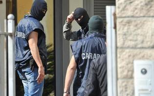 http://www.seguonews.it/scia-di-furti-in-casa-e-nei-negozi-a-resuttano-i-carabinieri-scoprono-la-cricca-tre-giovani-denunciati