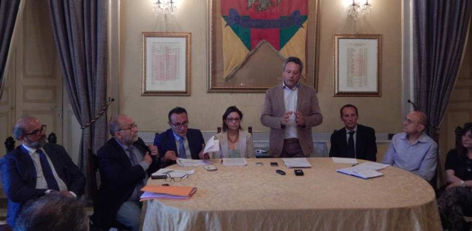 """La giunta Ruvolo spegne la prima candelina: """"Abbiamo gettato le basi per la rinascita di Caltanissetta"""""""