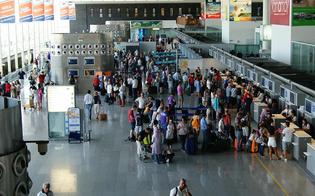 http://www.seguonews.it/catania-aeroporto-off-limits-per-la-presenza-di-una-bomba-traffico-fermo-dalle-8-alle-13-di-giovedi