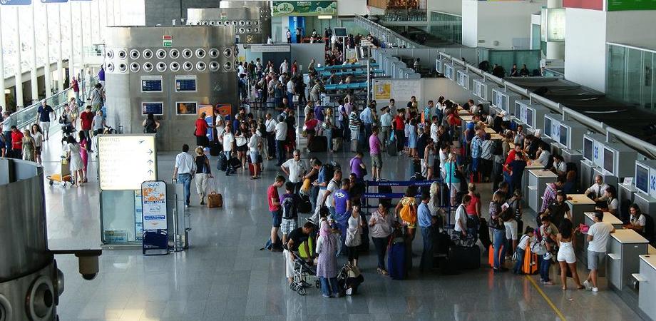 Catania, aeroporto off-limits per la presenza di una bomba. Traffico fermo dalle 8 alle 13 di giovedì