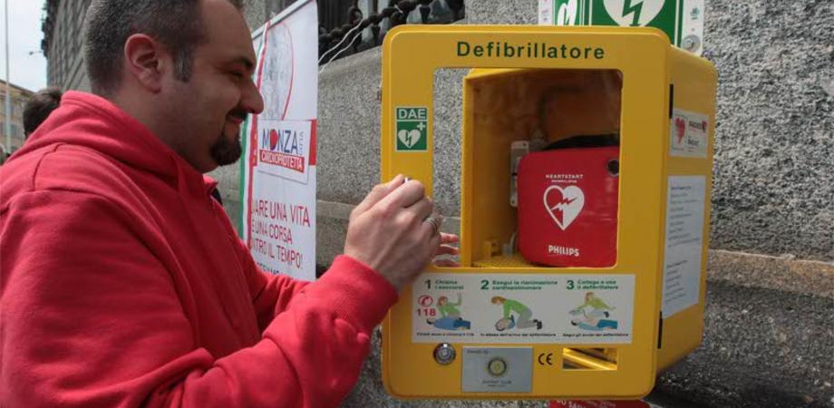 """""""Ti abbiamo a cuore"""", in Sicilia un'app per trovare il defibrillatore più vicino. Presto 310 postazioni salvavita"""