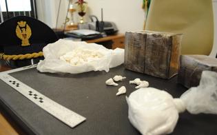http://www.seguonews.it/cocaina-sparita-dal-commissariato-di-brescia-poliziotto-di-caltanissetta-sotto-processo-per-peculato