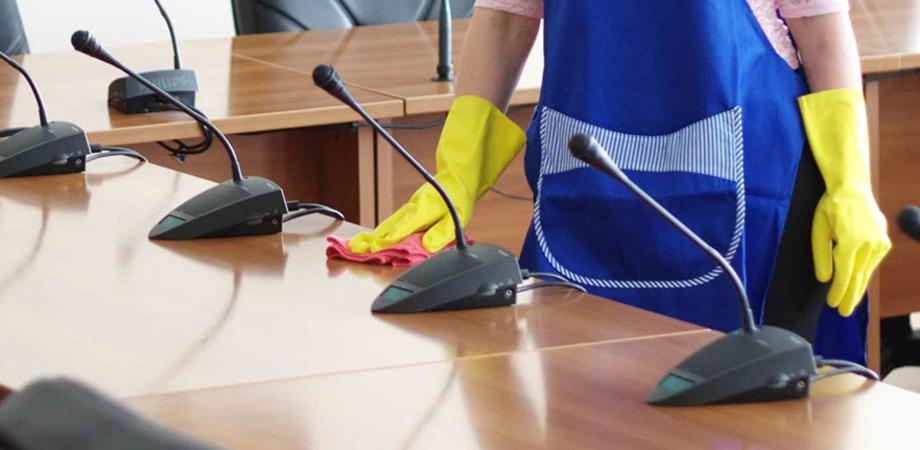 """Da 8 mesi senza stipendio, l'odissea delle 11 addette alla pulizia del Municipio di Caltanissetta. Alaimo (M5S): """"Stop ritardi"""""""