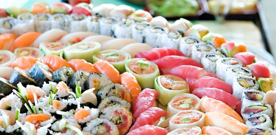 Dakoky e 2d2 sposano la cucina giapponese. Il 2 luglio si gusta il sapore del sushi