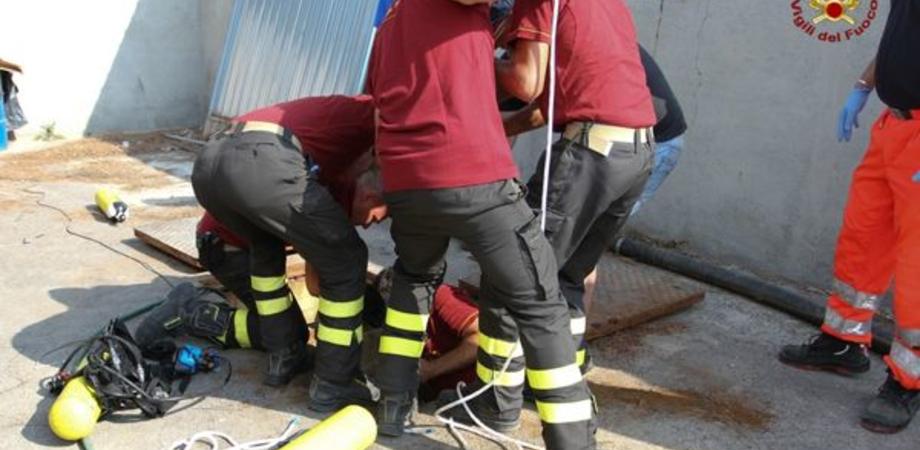 L'incidente nella vasca biologica a Gela. Fuori pericolo l'operaio di San Cataldo, sempre grave il giovane collega