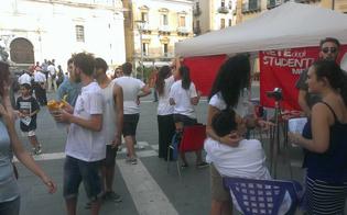 http://www.seguonews.it/ddl-buona-scuola-protesta-in-piazza-a-caltanissetta-video-petizione-della-rete-degli-studenti-medi-contro-la-riforma