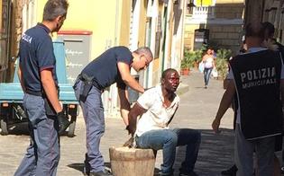 http://www.seguonews.it/rissa-tra-immigrati-nel-centro-storico-di-caltanissetta-fermato-un-nordafricano-polizia-e-vigili-urbani-indagano-sul-movente-della-lite