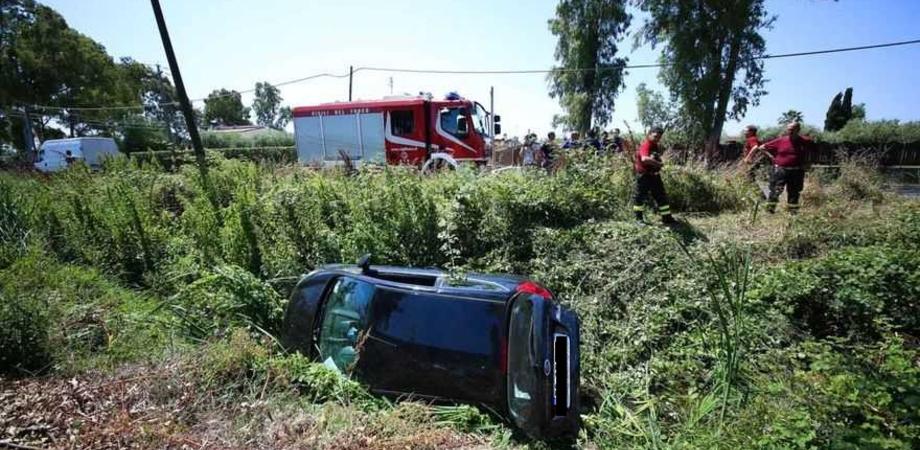 """Auto vola dalla strada e precipita nel dirupo. Ferito un uomo, ricoverato all'ospedale """"Sant'Elia"""""""