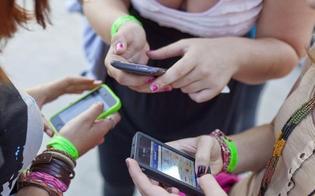 http://www.seguonews.it/uso-dello-smartphone-gli-italiani-sono-i-primi-smanettoni-in-europa-spopolano-le-chat-le-donne-le-usano-di-piu