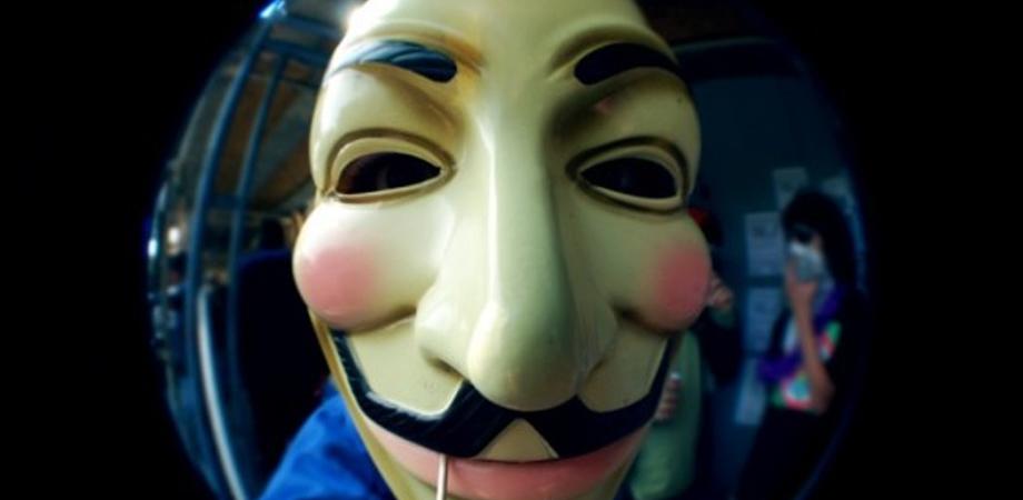 Cryptolocker, la nuova minaccia degli hacker. Occhio al link che inietta il virus, i consigli della Polizia