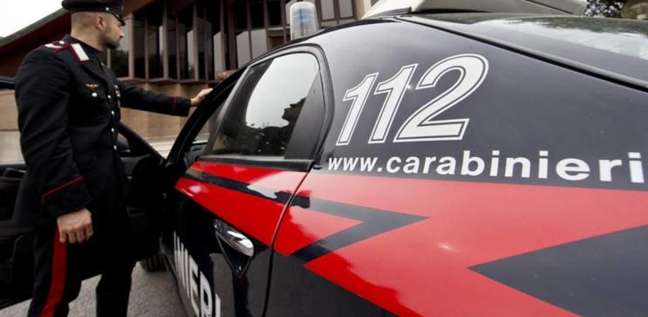 Minaccia e si scaglia contro i carabinieri: nisseno arrestato dopo rissa a Siracusa