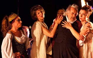 http://www.seguonews.it/teatri-di-pietra-stasera-al-centro-abbate-va-in-scena-la-tragedia-kiron-cafe