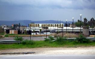 http://www.seguonews.it/il-museo-di-caltanissetta-affollato-di-impiegati-denuncia-di-italia-nostra-al-parco-di-sabucina-manca-il-personale