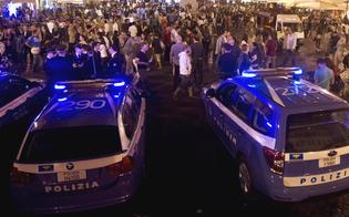 http://www.seguonews.it/movida-a-caltanissetta-controlli-interforze-in-centro-storico-segnalati-4-giovani-per-droga-centinaia-di-persone-fermate