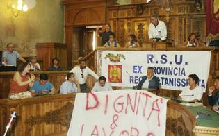 http://www.seguonews.it/caltanissetta-ex-provincia-senza-il-becco-di-un-quattrino-sos-dei-sindaci-al-governo-renzi
