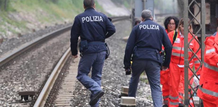 Incidente sulla linea ferroviaria a Pian del Lago. Immigrato colpito da vagone in corsa, è in prognosi riservata