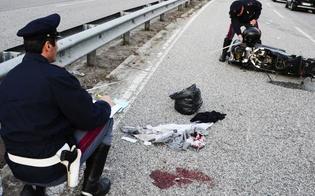 http://www.seguonews.it/grave-incidente-sulla-statale-410-motocicletta-urta-guardrail-due-giovani-di-serradifalco-precipitano-nel-burrone