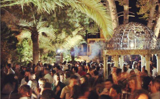 http://www.seguonews.it/botte-da-orbi-alla-discoteca-villa-romano-feriti-due-giovani-la-questura-valuta-di-sospendere-la-licenza