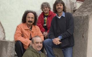 http://www.seguonews.it/i-mitici-anni-70-rivivono-ad-acquaviva-stasera-il-concerto-dei-camaleonti