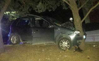 http://www.seguonews.it/auto-sbanda-e-impatta-contro-albero-in-via-pisacane-lievi-ferite-per-due-giovani-di-caltanissetta