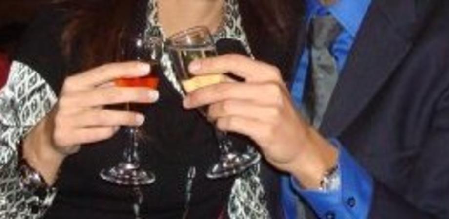 """""""Calici di stelle"""": a Caltanissetta tutti i profumi delle cantine di vino al Corona Wine Bar"""