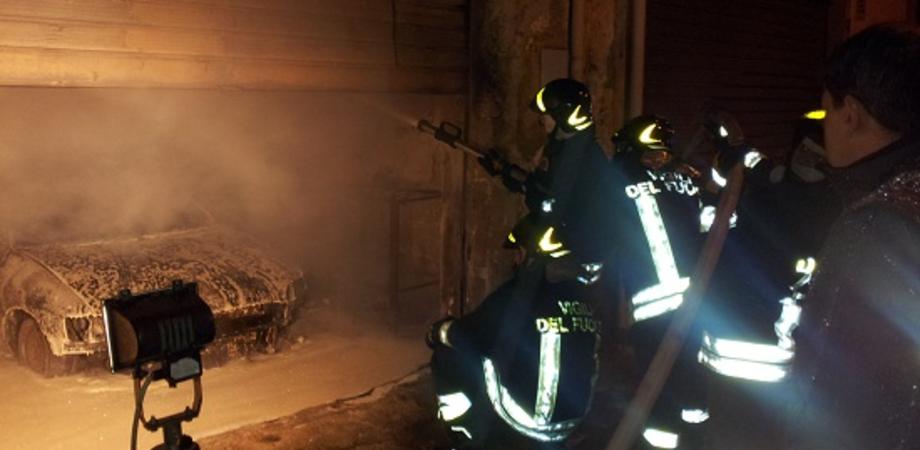Tragedia a San Cataldo. Divampa incendio nel suo garage, infarto stronca pensionato di 72 anni