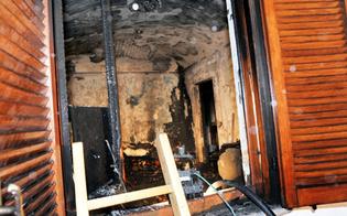 http://www.seguonews.it/casa-discarica-bruciata-sei-volte-in-un-mese-a-caltanissetta-nel-centro-storico-esplode-lemergenza-igienica