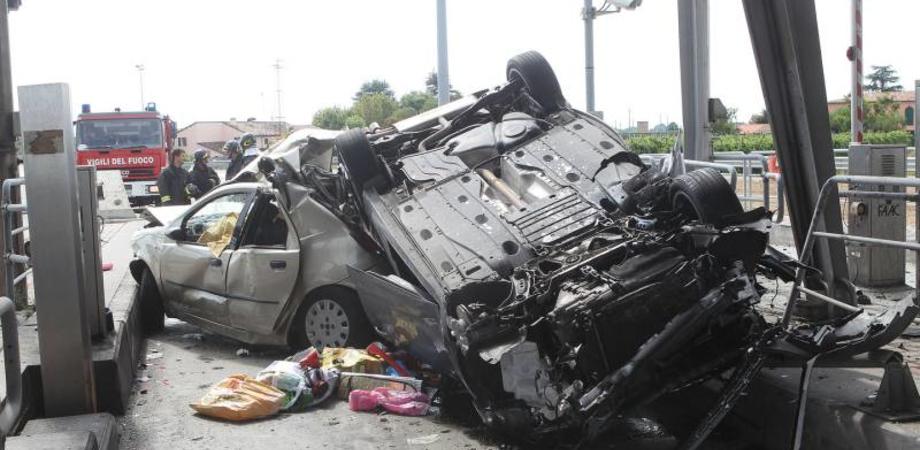 Padre e figlio di Caltanissetta morti sulla A1. Si ipotizza un colpo di sonno del conducente dell'Audi